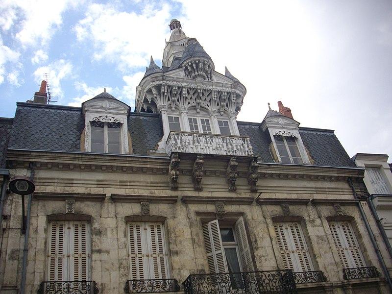 Photo du Monument Historique Maison à lucarne de type compagnonnique situé à Châteauroux