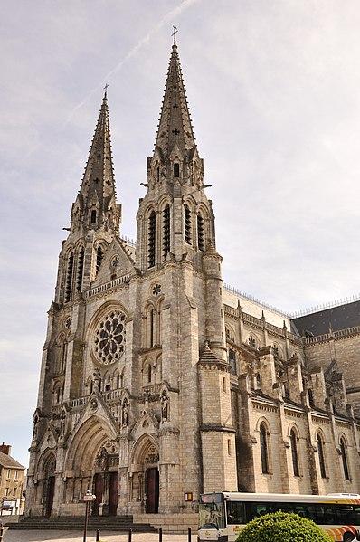 Photo du Monument Historique Eglise principale Saint-André situé à Châteauroux