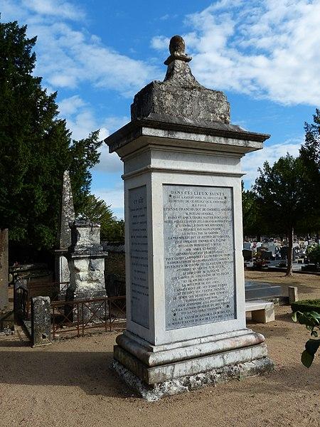 Photo du Monument Historique Cimetière situé à Amboise