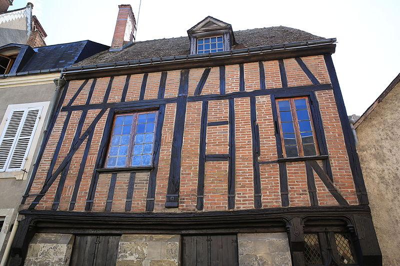 Photo du Monument Historique Maison à pans de bois situé à Amboise