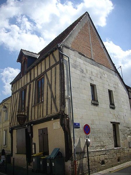 Photo du Monument Historique Maison à pans de bois du 15e siècle situé à Amboise