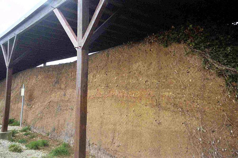 Photo du Monument Historique Remparts et fossés gaulois situé à Amboise