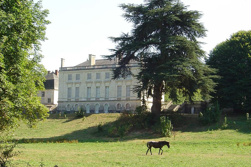 Photo du Monument Historique Château de Leugny situé à Azay-sur-Cher