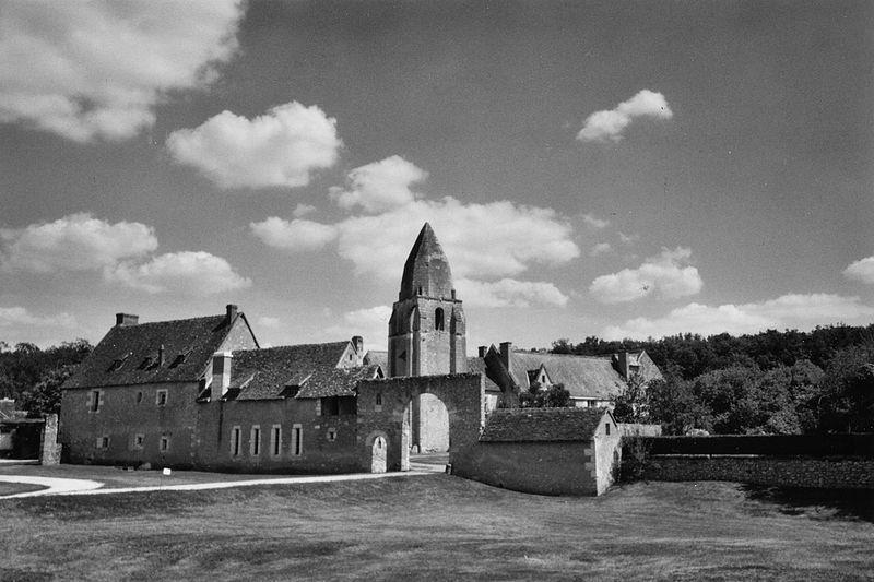 Photo du Monument Historique Ancien prieuré de Saint-Jean-du-Gray situé à Azay-sur-Cher