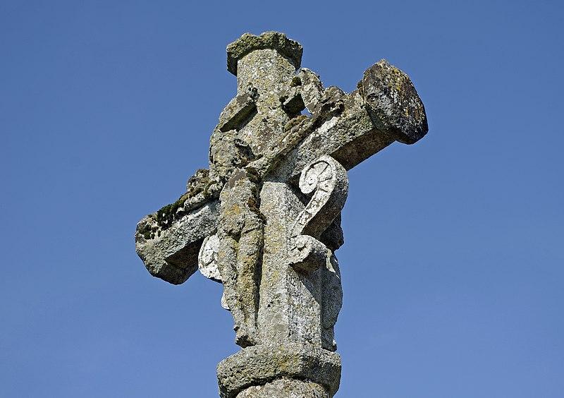 Photo du Monument Historique Croix de cimetière situé à Bueil-en-Touraine
