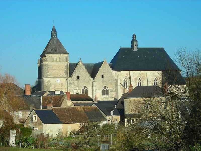 Photo du Monument Historique Eglise (église Saint-Pierre et collégiale Saint-Michel réunies) situé à Bueil-en-Touraine