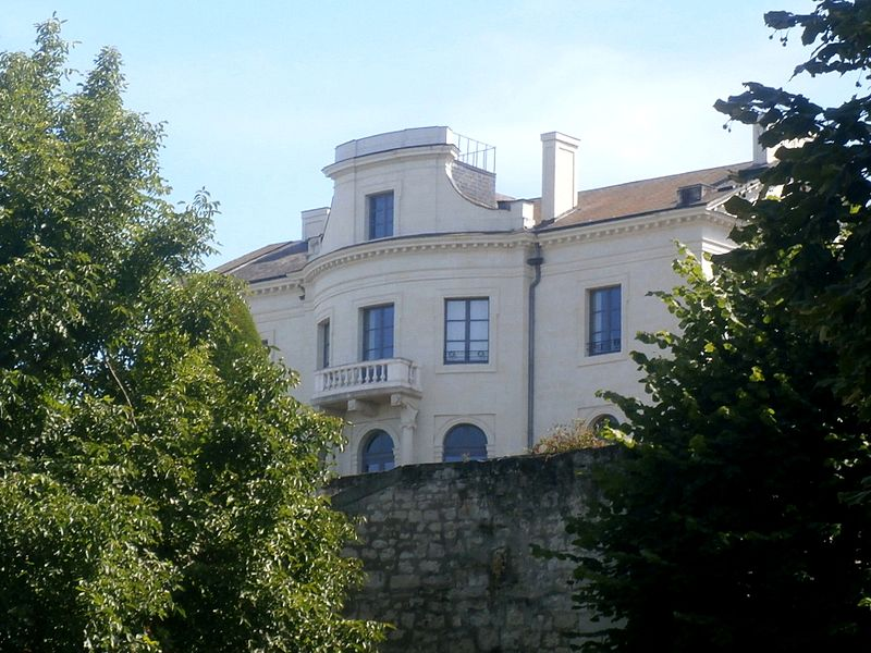 Photo du Monument Historique Immeuble dit le Nouveau Logis situé à Candes-Saint-Martin