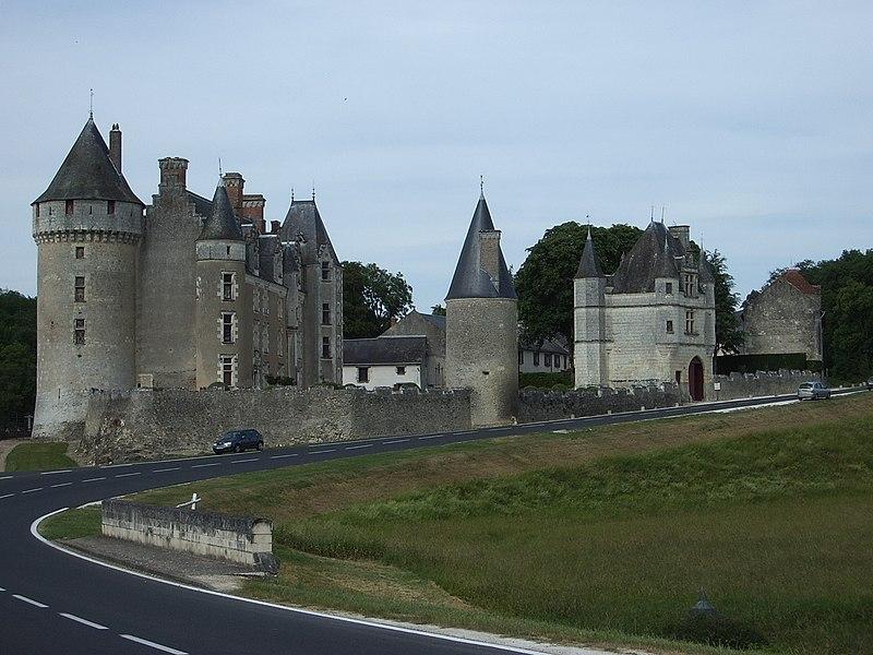 Photo du Monument Historique Château de Montpoupon situé à Céré-la-Ronde