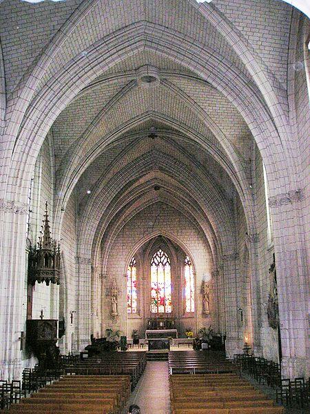 Photo du Monument Historique Eglise paroissiale Saint-Etienne situé à Chinon