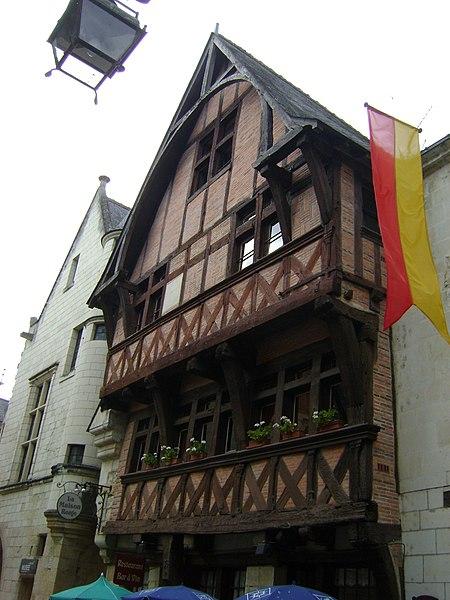 Photo du Monument Historique Maison rouge situé à Chinon