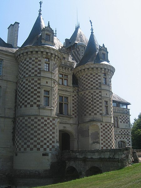 Photo du Monument Historique Château des Réaux situé à Chouzé-sur-Loire
