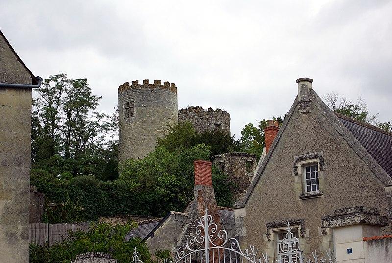 Photo du Monument Historique Ancien château situé à Cinq-Mars-la-Pile