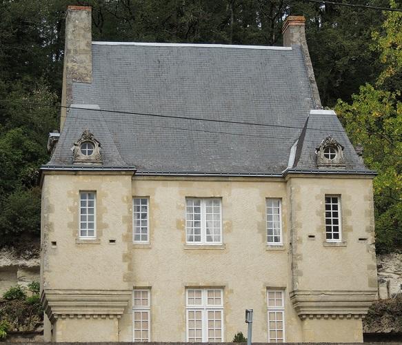 Photo du Monument Historique Manoir de la Roche-Musset situé à Cinq-Mars-la-Pile