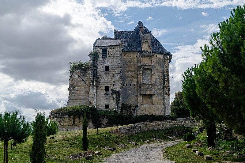 Photo du Monument Historique Château de Crissay situé à Crissay-sur-Manse