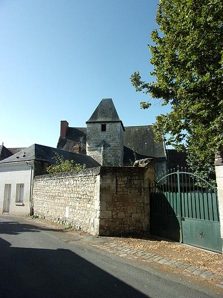 Photo du Monument Historique Ancien manoir situé à Crouzilles