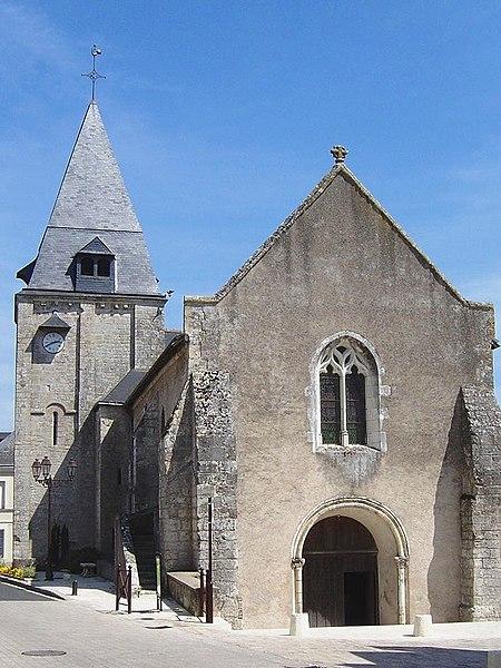 Photo du Monument Historique Eglise paroissiale Saint-Saturnin situé à Limeray