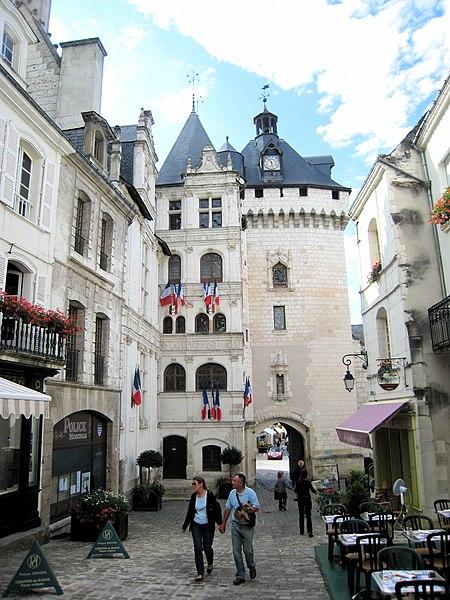 Photo du Monument Historique Hôtel de ville et Porte Picoys situé à Loches