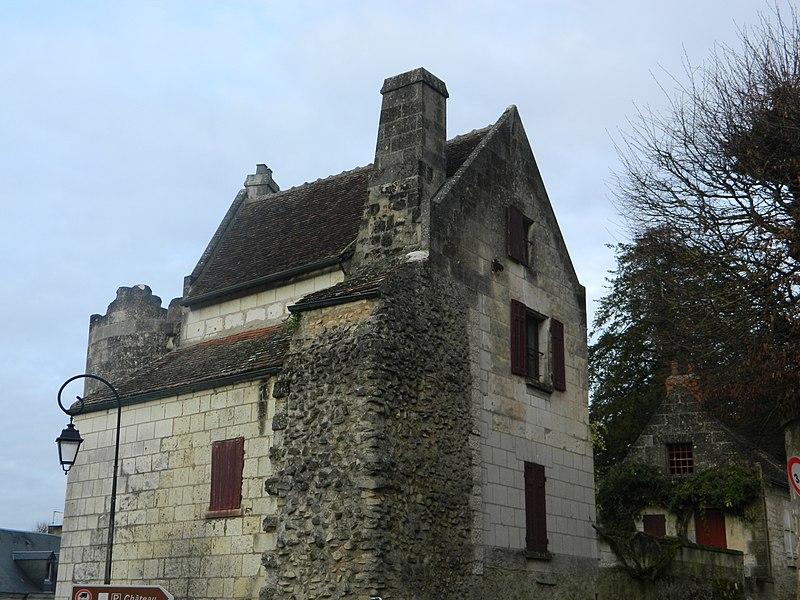 Photo du Monument Historique Vestiges de la porte Poitevine et la tour d\'enceinte, ou Maillet situé à Loches