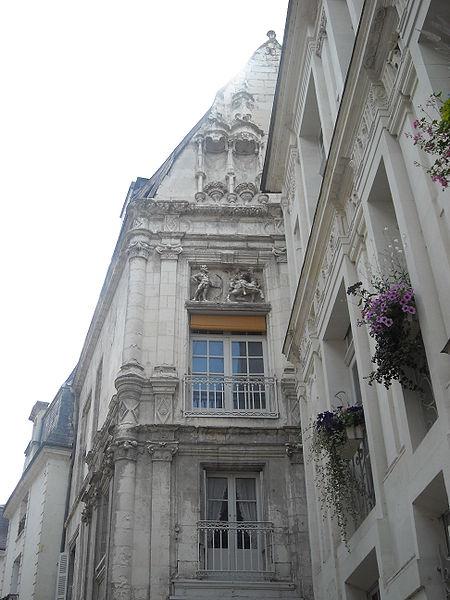 Photo du Monument Historique Hôtel ou Immeuble dit Maison du Centaure situé à Loches