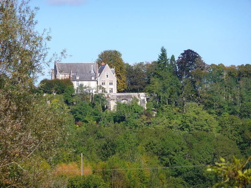 Photo du Monument Historique Ancien prieuré de Saint-Venant situé à Luynes