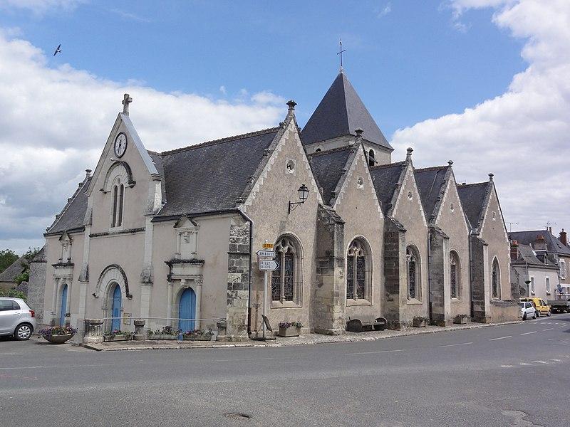 Photo du Monument Historique Eglise paroissiale Saint-Martin situé à Mosnes