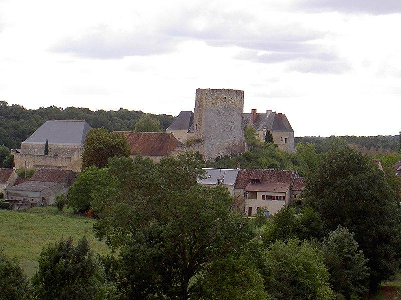 Photo du Monument Historique Château du Châtelier situé à Paulmy