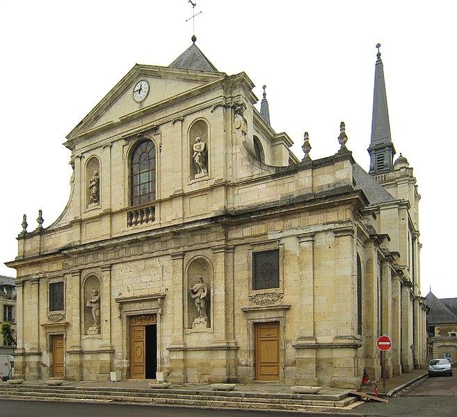 Photo du Monument Historique Eglise paroissiale Notre-Dame situé à Richelieu