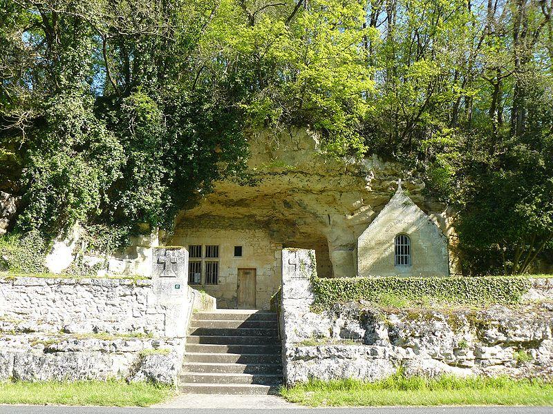 Photo du Monument Historique Chapelle et logis troglodytiques de Notre-Dame-de-Lorette situé à Saint-Epain