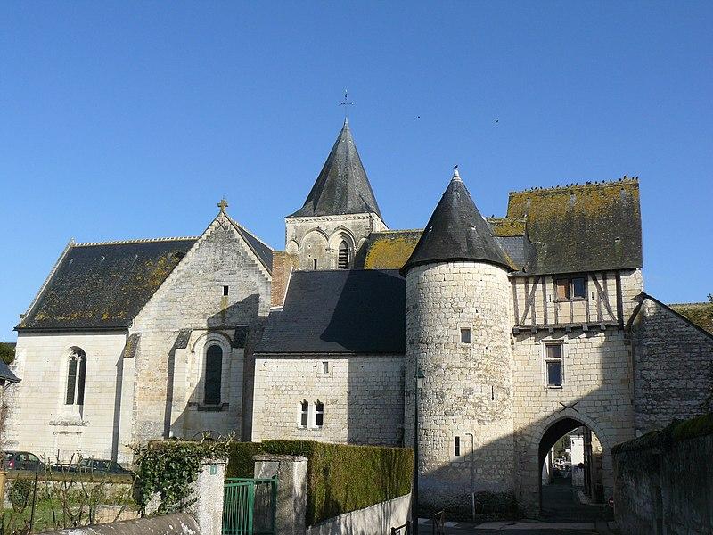 Photo du Monument Historique Eglise paroissiale Saint-Epain situé à Saint-Epain