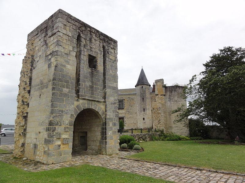 Photo du Monument Historique Ancien château situé à Sainte-Maure-de-Touraine