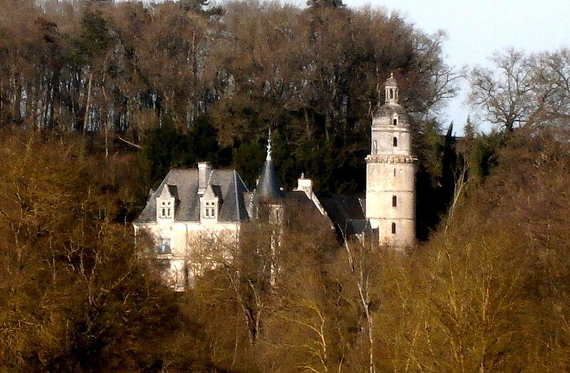 Photo du Monument Historique Château des Roches situé à Saint-Quentin-sur-Indrois