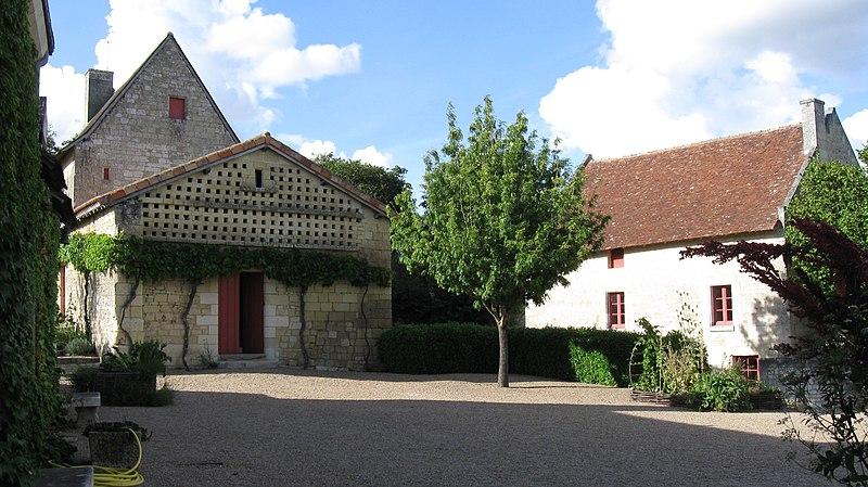 Photo du Monument Historique Maison de Rabelais, actuellement Musée de la Devinière situé à Seuilly