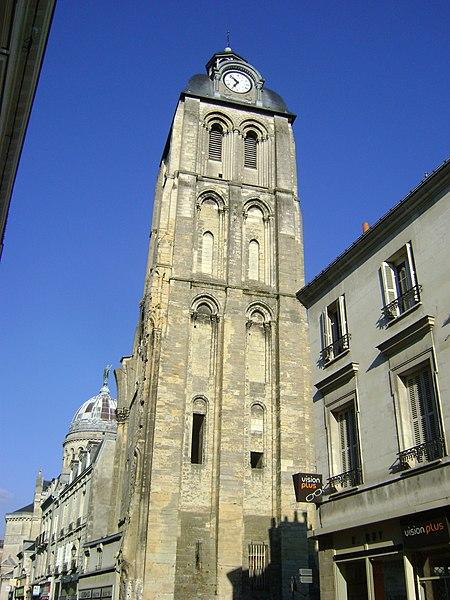 Photo du Monument Historique Ancienne abbaye de Saint-Martin situé à Tours
