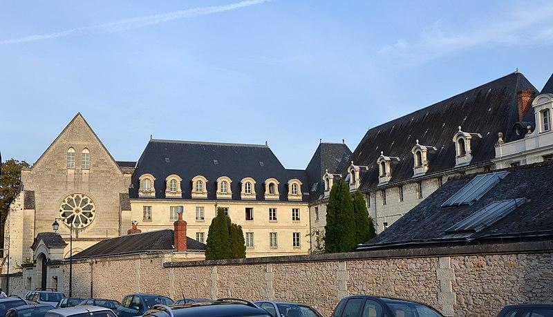 Photo du Monument Historique Ancien couvent des Ursulines situé à Tours