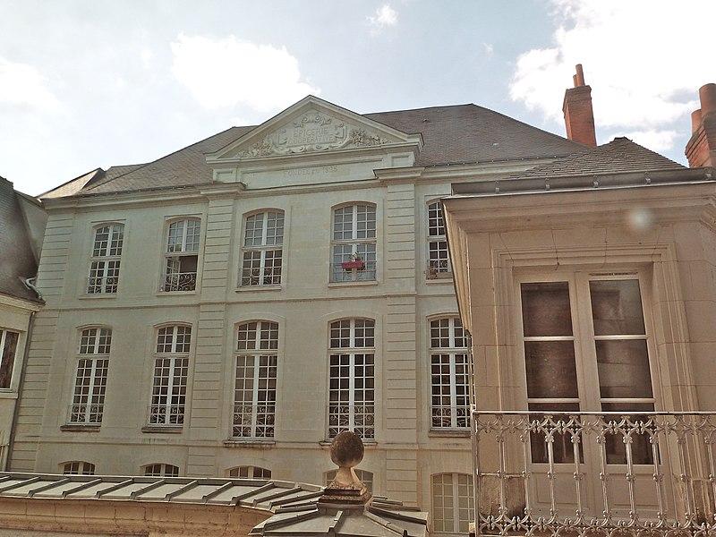 Photo du Monument Historique Hôtel dit de Choiseul situé à Tours