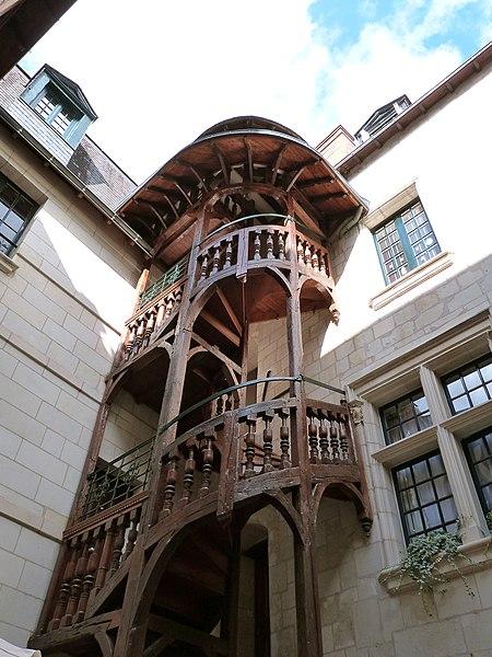 Photo du Monument Historique Ancienne hôtellerie du Panier Fleury situé à Tours