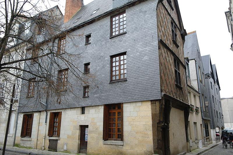 Photo du Monument Historique Maison du 15e siècle situé à Tours