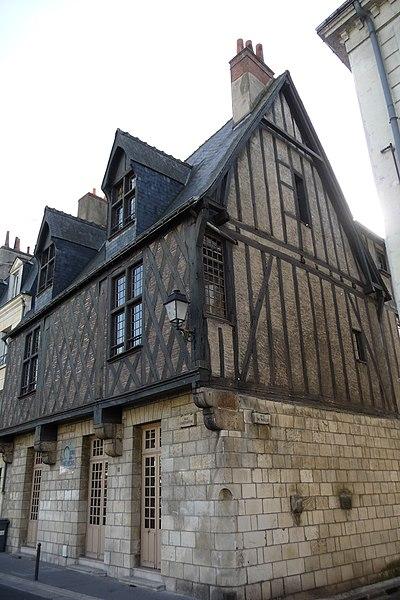 Photo du Monument Historique Maison du Croissant situé à Tours