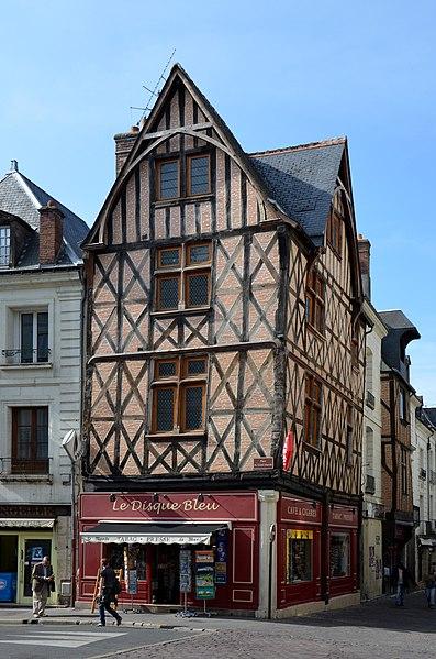 Photo du Monument Historique Maison du 15e siècle, anciennement dite des Quatre Fils Aymon situé à Tours