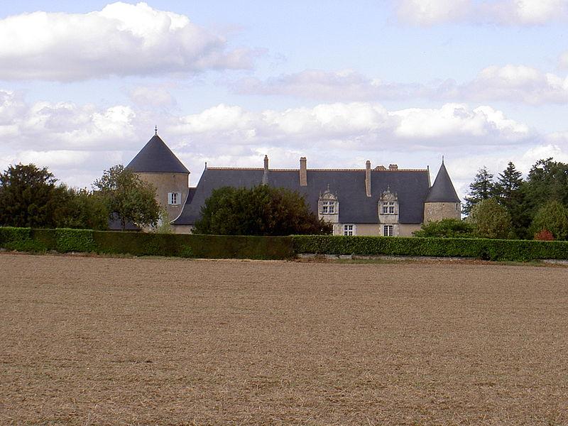 Photo du Monument Historique Manoir de la Belle Jonchère situé à Veigné