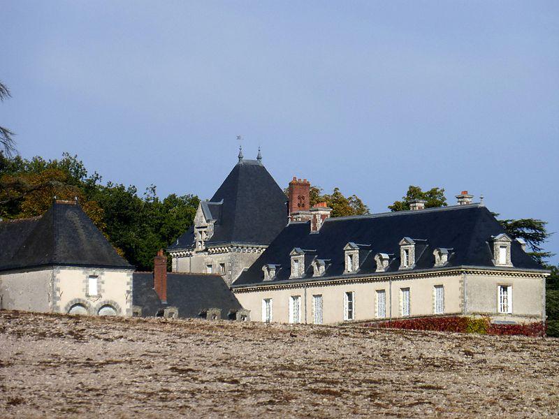 Photo du Monument Historique Château de Valesne situé à Saché