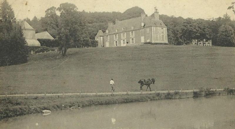 Photo du Monument Historique Château d'Hodebert situé à Saint-Paterne-Racan