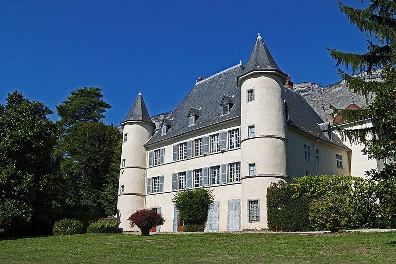 Photo du Monument Historique Château de Biviers situé à Biviers