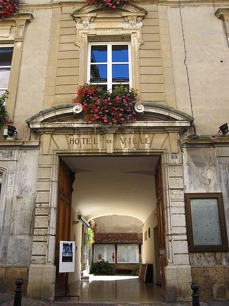 Photo du Monument Historique Hôtel de ville situé à La Côte-Saint-André