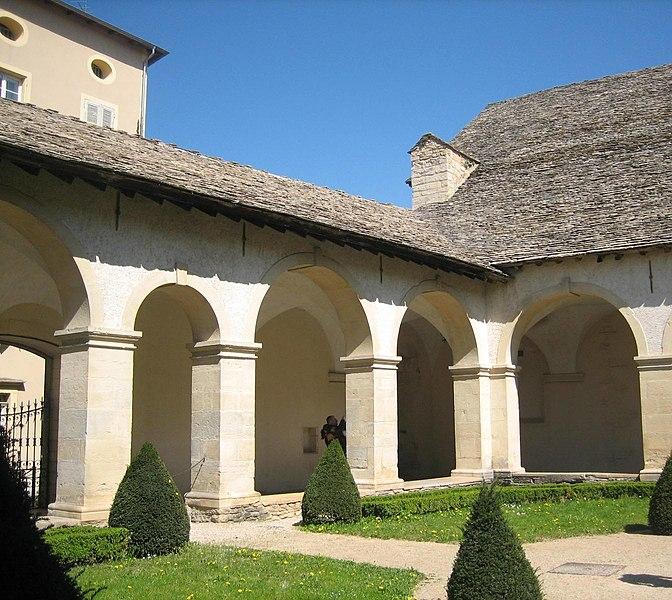 Photo du Monument Historique Couvent des Augustins situé à Crémieu