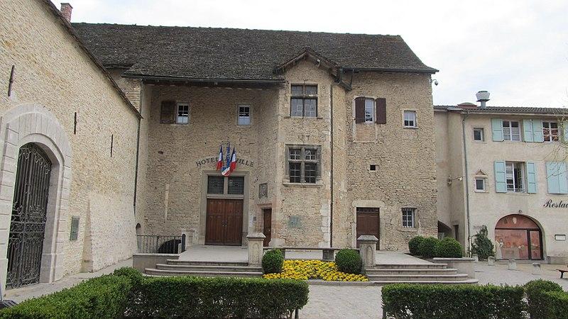 Photo du Monument Historique Hôtel de ville situé à Crémieu