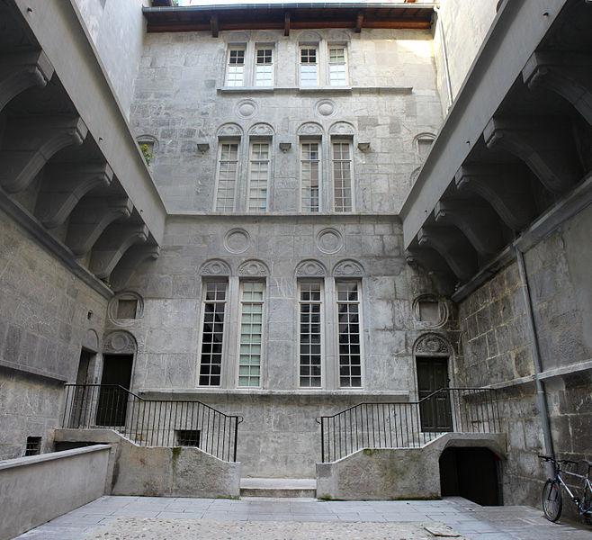 Photo du Monument Historique Hôtel dit de Croy-Chasnel et de Pierre Buchet situé à Grenoble