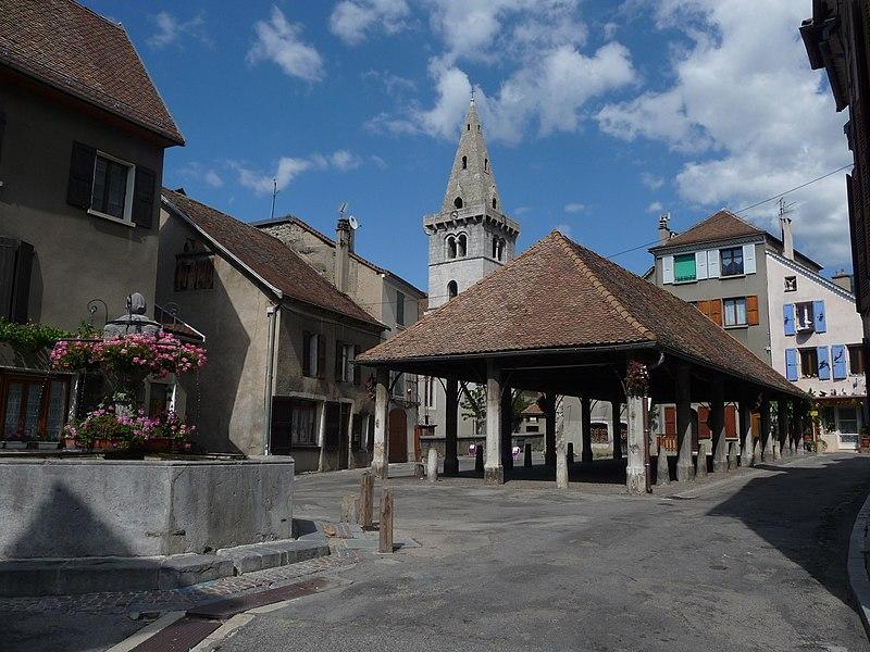 Photo du Monument Historique Halle situé à Mens
