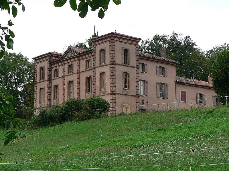 Photo du Monument Historique Château de la Motte situé à Moirans