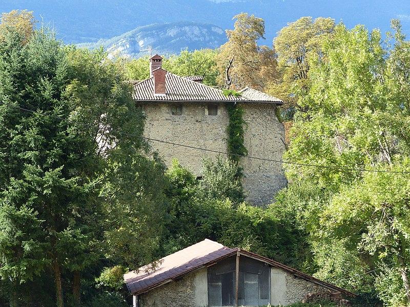 Photo du Monument Historique Château situé à Pierre (La)